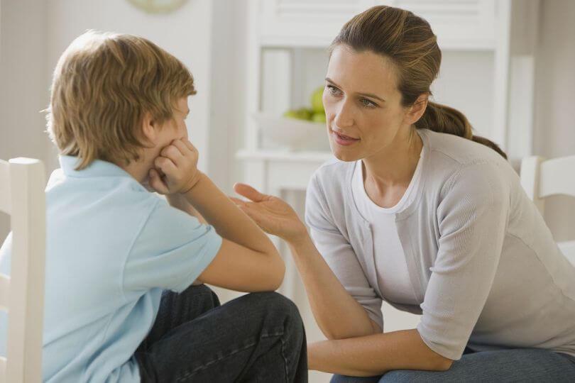 отец настраивает ребенка против мамы