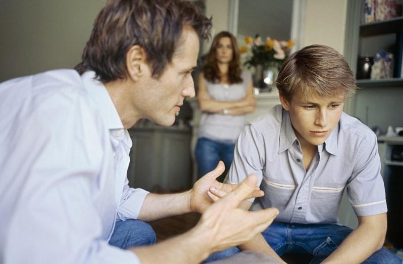 подросток 16 лет не слушается отца
