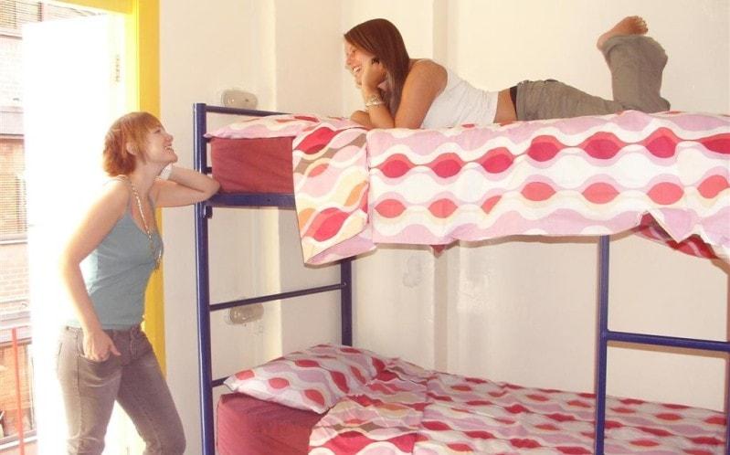 как жить в общежитии девушке
