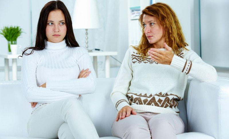 дочери 16 лет не уважает мать