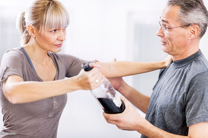 как выгнать мужа алкоголика из дома