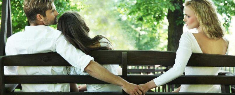 муж изменяет, но не уходит: как себя вести