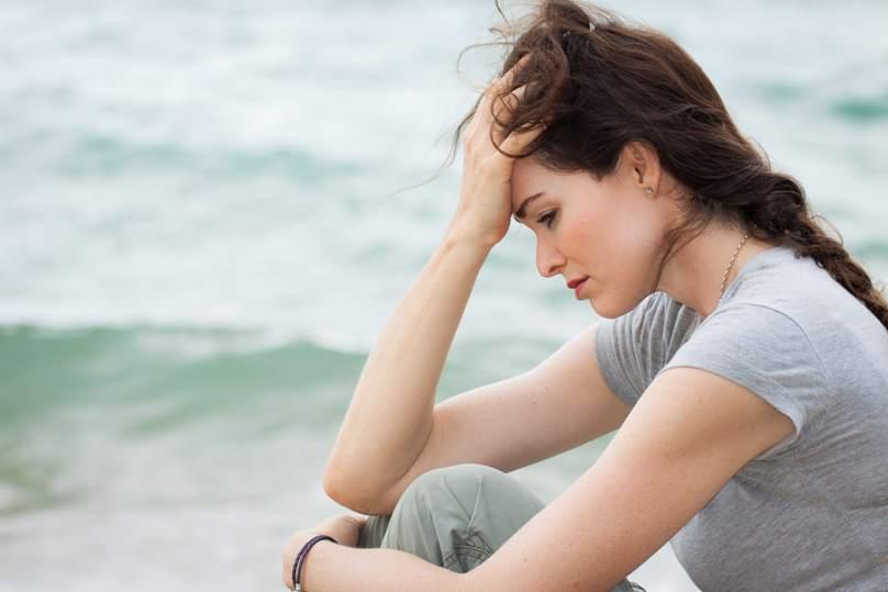 постоянно хочется плакать без причины: помогите, что делать