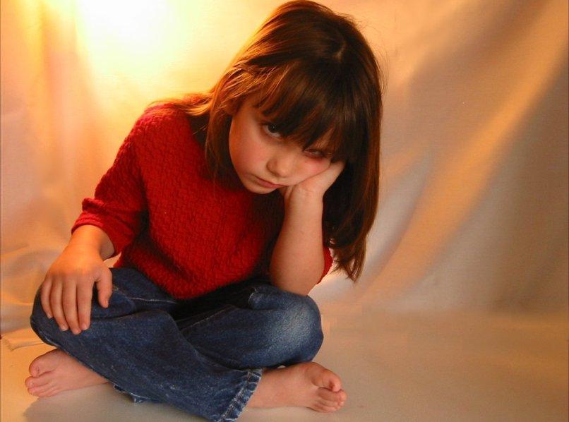 ребенок ревнует к младшему: советы психолога