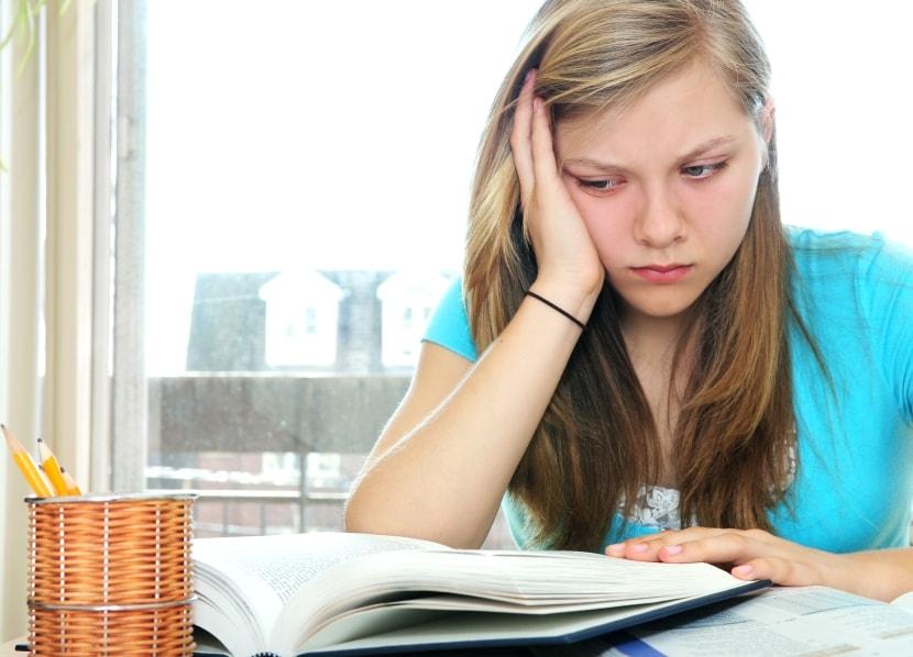 подросток врет и не хочет учиться